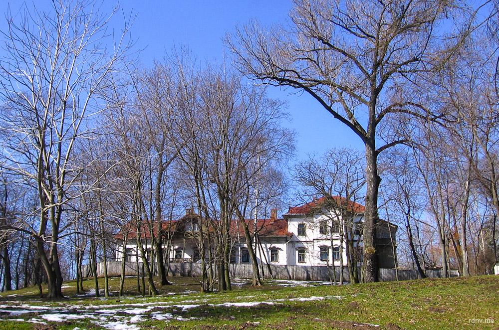 2007-ой. Вид на усадьбу со стороны Свислочи