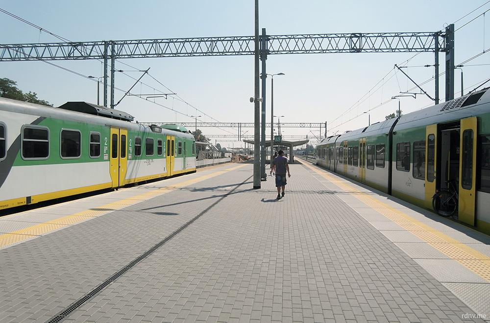 Пересадка в Седлеце: вам нужно перейти из поезда Лукув-Седлеце в поезд Седлеце-Варшава на той же платформе