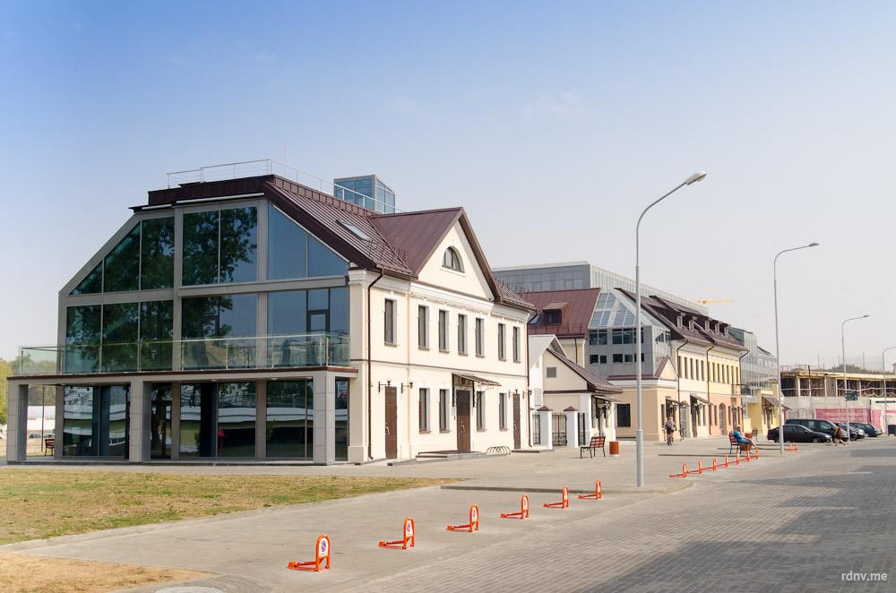 Характерная застройка для Минска XIX XXI века: стекло и бетон