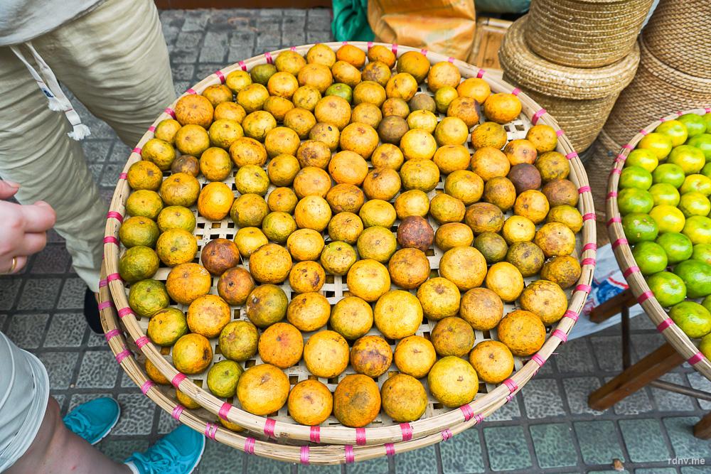 Один из вариантов чая — зашитый в мандарины пуэр. Чай впитывает цитрусовый аромат и получает особенный вкус