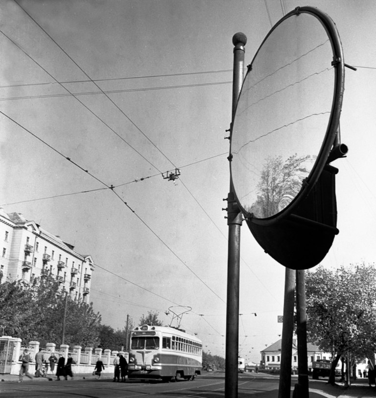 1963-й год, трамвай в на перекрёстке улиц Ульяновской и Красноармейской