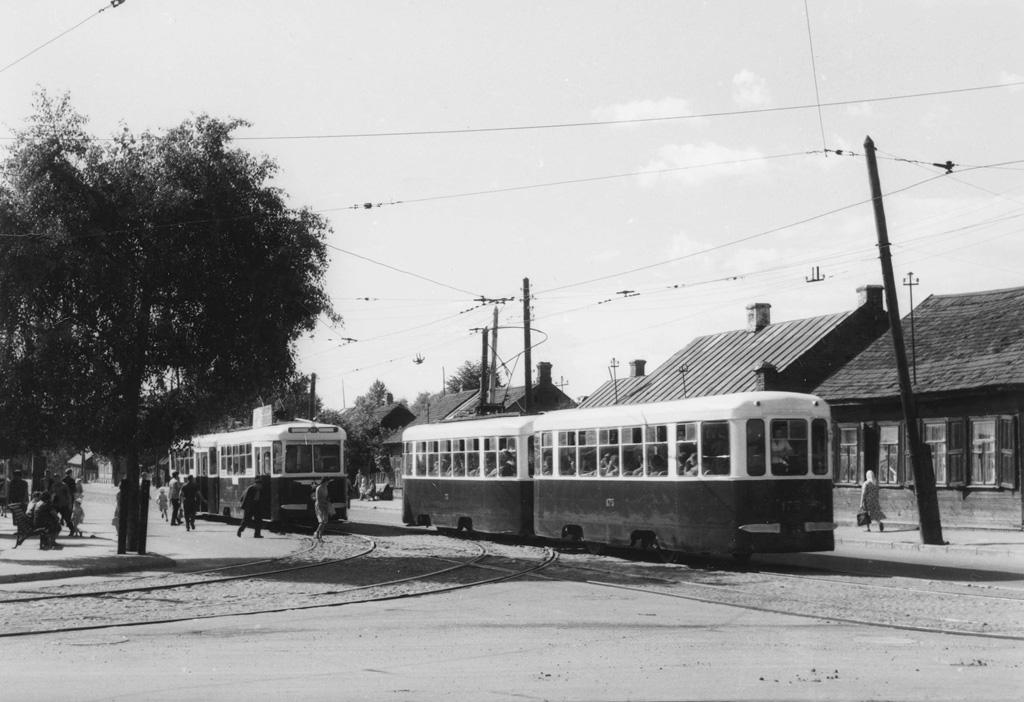 Тот же год, та же улица Варвашени. На фото трамваи маршрута №7, сцепки КТМ-2 и КТП-2