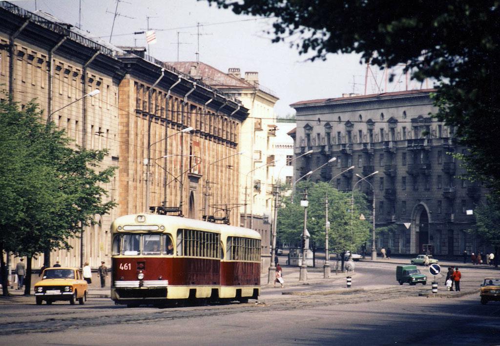 Трамвай на улице Змитрока Бядули. 1987-й год