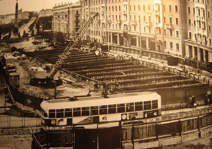 Начало 80-х. В Минске идут работы по строительству первой линии метрополитена. Весь центр перекопан…